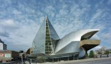 The Taubman Museum of Art, Roanoke, VA. designed by by Randall Stout was opened in 2008