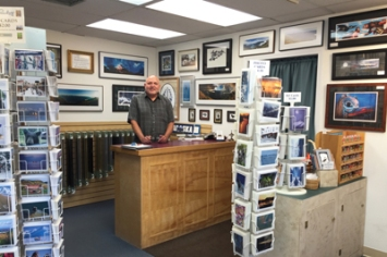 "John Chapman has the ""Picture This"" shop and was very helpful in telling me about the artscene in Juneau."